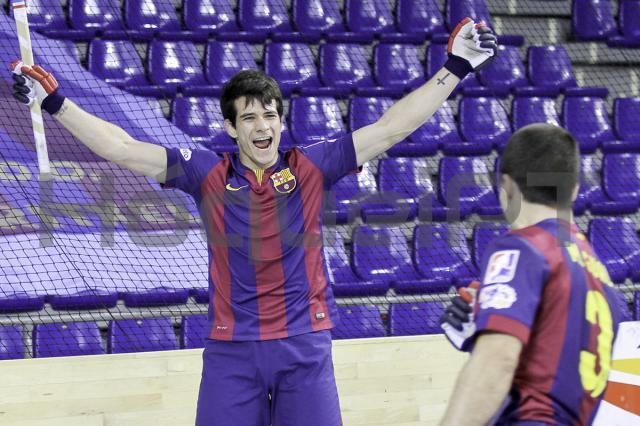 «Manita» de Pablito põe Barça a um ponto do título