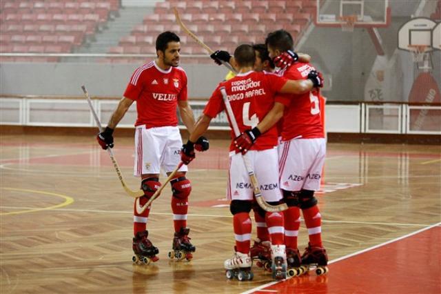 Benfica assusta-se mas segue em frente